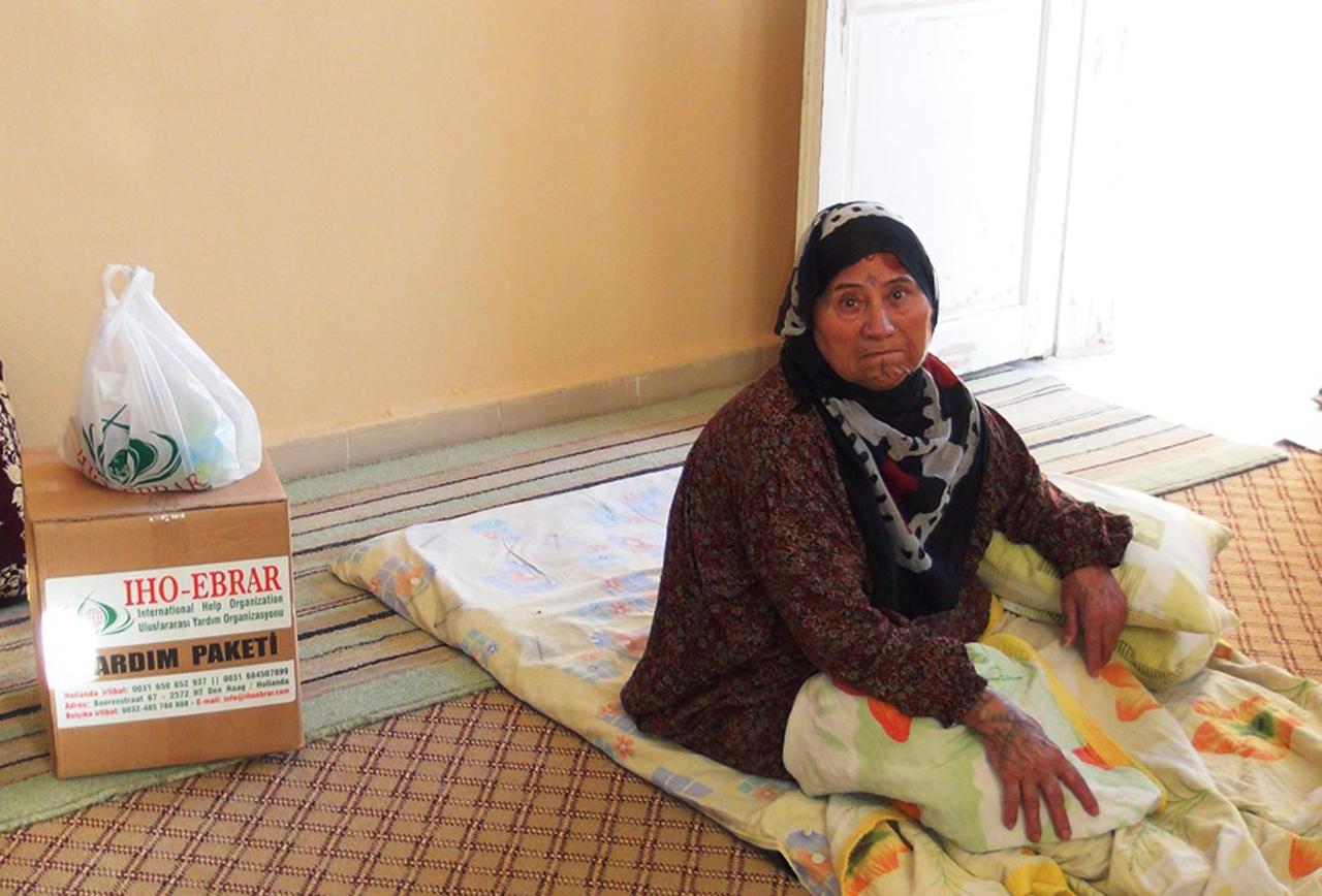 İHO EBRAR Nusaybin`de yardım dağıttı