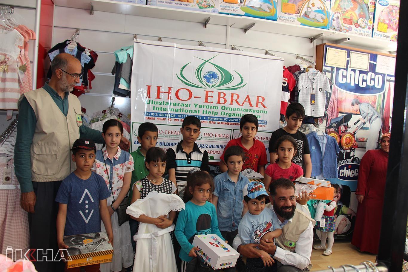 IHO-EBRAR Elazığ'daki yetimlere bayramlık giydirdi.